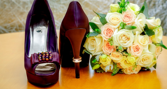 jenna-lee-wedding-photography-shoes-rings-bouquet